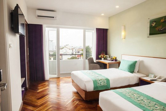 Emm Hotels Hue Accommodation Deluxe Twin Daytime